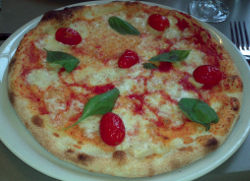 Pizza Fior di latte chez Allegra